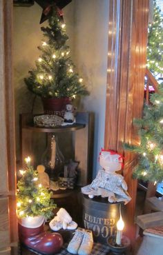 The Primitive Hutch: Better Late than Never!--- I love all these wonderful Prim Christmas pictures!!