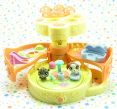 Littlest Pet Shop Teensiest Tiniest Dog Park Playset 90s Kids Toys, Pet Quotes Dog, Lps Dog, Bunny Cages, Pet Snake, Pet Care Tips, Little Pets, Happy Animals, Baby Dogs