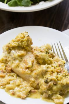 Instant Pot Swiss Chicken is a chicken and stuffing casserole with lots of cheesy goodness. Chicken breasts are cooked in broth in the Instant Pot until juicy and tender and then topped with Swiss cheese and a creamy stuffing mix. Pressure Cooker Chicken, Instant Pot Pressure Cooker, Pressure Cooker Recipes, Pressure Cooking, Slow Cooker, Chicken Stuffing Casserole, Stuffing Recipes, Crockpot Stuffing, Stuffing Mix