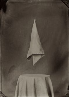 Ben Cauchi realises contemporary photos with a surreal-metaphysical twist. The artist uses the wet-collodion photographic process, one of the very earliest photographic techniques. Snap Photography, Aubry, Black And White Painting, Macabre, Still Life, Surrealism, Illusions, Cool Art, Fine Art