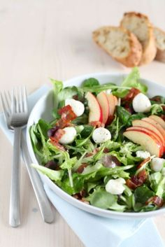 Pomegranate Apple Fennel and Goat Cheese Arugula Salad - Slender Kitchen. Works for Gluten Free, Low Carb, Vegetarian and Weight Watchers® diets. Salad Recipes Video, Chicken Salad Recipes, Healthy Salad Recipes, Lunch Recipes, Free Recipes, Cooking Recipes, Fennel Salad, Arugula Salad, 21 Day Fix