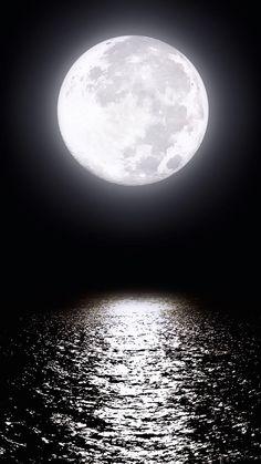 Super tattoo moon and sun la luna moonlight 36 Ideas Stars Night, Stars And Moon, Shoot The Moon, Moon Pictures, Moon Photos, Moon Magic, Beautiful Moon, Moon Lovers, Super Moon