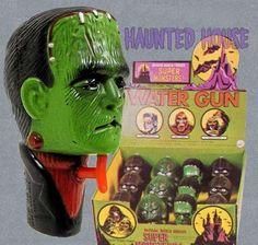 Classic Horror Movies, Horror Films, Vintage Games, Vintage Toys, Antique Toys, Vintage Movies, Monster Toys, Monster Mash, Halloween Horror