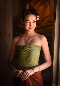 Thai woman with traditional Thai dresses - null