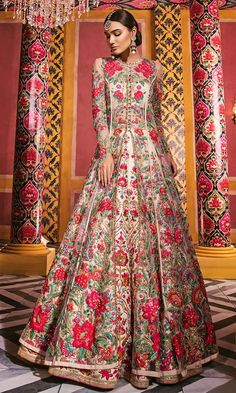 Bridal lehenga Store strongly believes that the ultimate empowerment is to wear something incredibly simple! Indian Bridal Outfits, Indian Fashion Dresses, Indian Gowns, Pakistani Wedding Dresses, Indian Designer Outfits, Designer Dresses, Saree Fashion, Wedding Lehenga Designs, Designer Bridal Lehenga