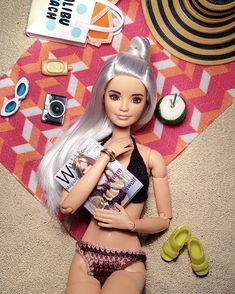 curtindo um sol! #Barbie #BarbieStyle #BarbieCollection #BarbieCollector #Doll #Dolls #BarbieFashionistas #BarbieFashionista #BarbieGram #BarbieDoll #Moda #DreamHouse #Shoe #Shoes #Friends #Love #BarbieBasic #BarbieBoy #BarbieLove #BarbieGirl #BarbieLover #DollCollector #dollphotogallery #LookDoDia #Toys #TheDollEvolves #vsco #justdollfurniture #bestbarbiephotos