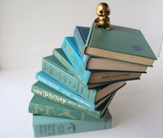 I'd love to have a collection of vintage turquoise books lined up in a row...
