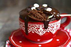 Torta in tazza al cacao e mandorle