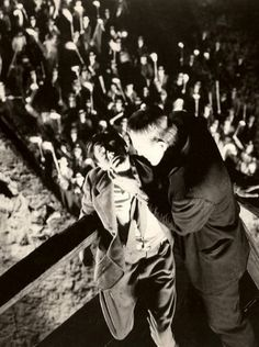 Frankenstein Boris Karloff James Whale Horror Film Stills Classic Monster Movies, Classic Horror Movies, Classic Monsters, Sci Fi Movies, Scary Movies, Boris Karloff Movies, Frankenstein 1931, Hollywood Monsters, James Whale