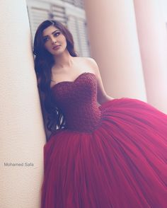 <img> Sparkly Burgundy Prom Dresses 2017 Heavily Beading Puffy Tulle Ball Gowns Sweet 16 Long Princess Party Gown Off the Shoulder Prom Dress Famous Design - Tulle Ball Gown, Ball Gown Dresses, 15 Dresses, Fashion Dresses, Chiffon Dresses, Tulle Lace, Fall Dresses, Dresses Online, Women's Fashion