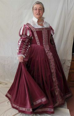 Recreation of a Florentine outfit in the style  of Pisa, 1560s