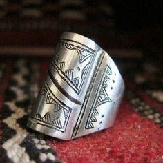 Tuareg Tribal Silver Ring with Ebonywood Inlay, Ringsize US 9 - 9 1/2 More Info: https://www.etsy.com/listing/268018136/tuareg-tribal-silver-ring-with-ebonywood By Ineke Hemminga