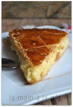 Galette des rois traditionnelles à la frangipane (crème pâtissière + crème d'amandes)