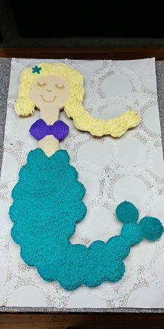 Mermaid pull-apart cupcakes Cupcakes By Flea Pull Apart Cake, Pull Apart Cupcakes, Crochet Necklace, Mermaid