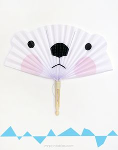 Icy arctic animals helping you getting colder during hot summer days! It's very easy to make the Polar bear, the arctic Fox and the snowy owl. Paper Crafts For Kids, Crafts For Teens, Diy Paper, Diy For Kids, Summer Camp Crafts, Camping Crafts, Kawaii, Arctic Animals, Arctic Fox