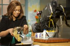 Behind the Scenes of Cooking for Real with Sunny Anderson using Cherry Cutting Board Food Network Channel, Food Network Tv Shows, Cooking Network, Food Network Recipes, Food Network/trisha, Man Food, Food Dishes, Giada Cooking, Fire Cooking
