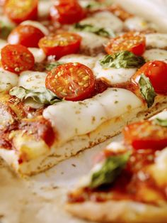 A delicious Sicilian Pizza recipe. An easy way to make the classic, thick, New York-style square pizza pie right at home.