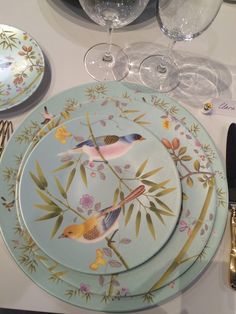 Raynaud has created a new porcelain collection Paradis inspired by the exoticism of our chinoiserie wallpaper.