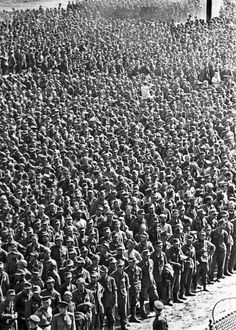 Approximately 3 million German prisoners of War were captured by the Soviet Union during WWII, most of them during the great advances of the Red Army in the last year of the war. Nagasaki, Hiroshima, World History, World War Ii, Historia Universal, Prisoners Of War, Fukushima, Red Army, German Army