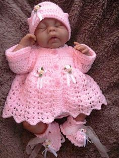 Mary Helen crafts crochet and knitting: Jackets drinks Crochet Baby Dress Pattern, Baby Dress Patterns, Baby Girl Crochet, Crochet For Kids, Baby Knitting Patterns, Crochet Patterns, Baby Born Clothes, Handmade Baby Clothes, Crochet Doll Clothes