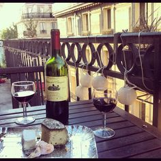 Sweet wine and yummy cheese on a balcony at the Ile Saint Louis. It doesn't take a lot to become a real frenchy in Paris. www.ile-saint-louis.com Ile Saint Louis, St Louis, Saint Germain, Sweet Wine, Paris, Balcony, Alcoholic Drinks, Saints, Cheese