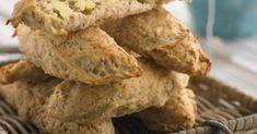 Sekoita puurohiutaleet, sämpyläjauhot, kuivahiiva, suola ja sokeri keskenään.