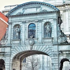 The well-travelled Temple Bar, now in its 3rd location in Paternoster Square by St Paul's #london #history #architecture