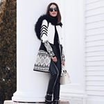 Black and white Monday!!! #ootd<br/>Segunda em PB - usando look @skunkbrasil ! Esse casaco é demais né?! ❤ #skunk #winterlook #SKinverno2017 #russianwind