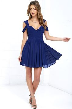 Steal away into the night, and impress your sweetie in the Come Away With Me Royal Blue Skater Dress! Chiffon tank and off-the-shoulder straps top a lightly padded sweetheart bodice with hidden boning. Pin-tucked, set-in waist leads into a pleated skater skirt. Hidden back zipper with clasp.