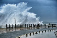 Waves  📸 Photo by @donosti_city  #sansebastian #euskadi #waves