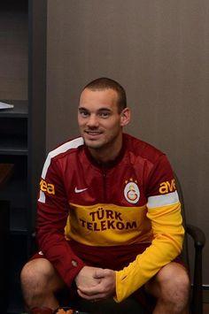 Wesley Sneijder Football, Bikinis, Sports, Apple Iphone, Beauty, Ipad, Android, Dreams, Nice
