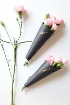 Miniature Floral Bouquets for Valentine's Day  // The Flair Exchange #DIY
