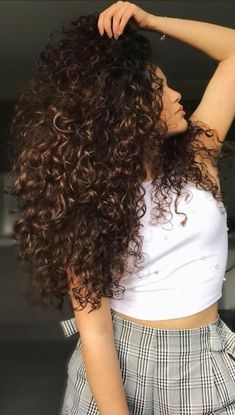 Curly Hair With Bangs, Colored Curly Hair, Long Curly Hair, Wavy Hair, Curly Hair Styles, Brown Ombre Hair, Ombre Hair Color, Curly Mohawk Hairstyles, Gorgeous Hair