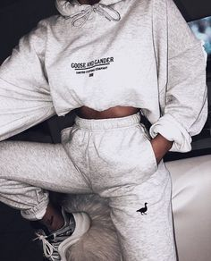 G&G Unisex Ltd logo hood Sporty Outfits Hood Logo Unisex Cute Lazy Outfits, Chill Outfits, Sporty Outfits, Swag Outfits, Mode Outfits, Trendy Outfits, Female Outfits, Hipster Outfits, Comfy Teen Outfits