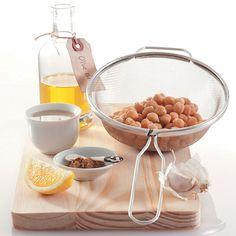 How to make hummus Hummus Food, Make Hummus, Hummus Recipe, V60 Coffee, Spreads, Food To Make, Dips, Vegetarian, Entertaining