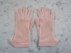 """Vintage 1950's Pink Ribbed Angled Wrist Length Gloves--7""""--Unused?--Size 6 1/2 to 7--Glove Auction # 1366 by PrimaMona on Etsy"""