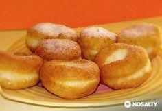 Mire kell figyelni a fánk sütésekor? Bagel, Doughnut, Hamburger, Bread, Desserts, Food, Tailgate Desserts, Deserts, Eten