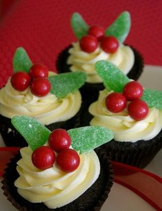 Holly Cupcakes | What a cute idea for holiday treats :)