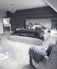 33 Amazing Cozy Master Bedroom Design Ideas You are in the right place about bedroom inspirations master Here we offer. Room Ideas Bedroom, Home Decor Bedroom, Bedroom Furniture, Bedroom Colors, Bedroom Neutral, Classy Bedroom Ideas, Furniture Ideas, Silver Bedroom Decor, Bedroom Sets