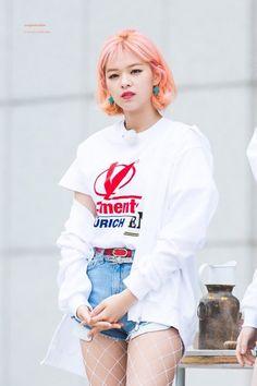 Suwon, Korean Women, South Korean Girls, Korean Girl Groups, Twice Jungyeon, Twice Kpop, Extended Play, Nayeon, K Pop