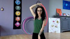 sally hoop's Tuto :  How to do a Body Hand hook spin?