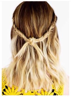 Check Out 21 Best Hairstyles for Shoulder Length Hair. Shoulder length is the most universal one, especially when it comes to thin hair, and you can make lots of cool hairstyles even if you wish your hair was much thicker. Blond Ombre, Ombre Hair Color, Blonde Color, Pretty Hairstyles, Braided Hairstyles, Hairstyle Ideas, Updo Hairstyle, Braided Updo, Prom Hairstyles