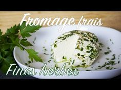 Fromage frais aux herbes maison avec 2 ingrédients 🧀 - YouTube Ricotta, Cheese, Breakfast, Food, Youtube, Drinks, Healthy Eating Recipes, Morning Coffee, Essen