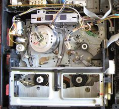 Repair of a vintage Sharp VHS player