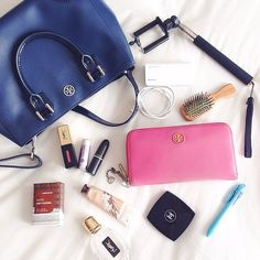 Whats in My Bag - via iconosquare. bag, сумки модные брендовые, bags lovers, http://bags-lovers