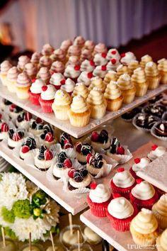 Mini cupcakes #dessert #dessertbar #cupcakes