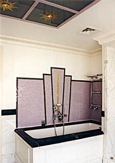 The art deco style is more present than ever today. People are interested in this centubry's style and usually design their bathrooms this way. But what is the art deco actually? Art Deco Decor, Art Deco Home, Art Deco Design, Decoration, Art Deco Era, Wall Design, Art Nouveau, Art Et Architecture, Muebles Art Deco