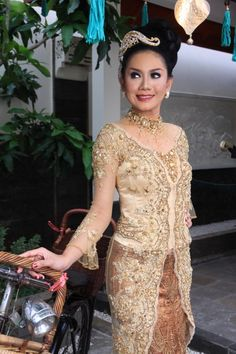Street fashion kebaya modern dress amazing in Bali 2016