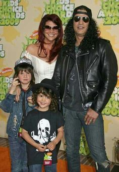 Slash and his beautiful family: Perla, London and Cash