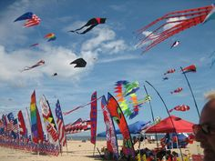 MD Kite Festival Weekend -  Looking for a fun and unique experience this weekend? Head to Ocean City for the 22nd Annual Maryland International Kite Expo!   The event takes place April 29 through May 1, beginning each day at 9 a.m. and ending at 5 p.m.   http://www.delmarvalife.com/delmarvalife/maryland-international-kite-expo-promises-three-fun-filled-days-in-ocean-city/  #threethings #TheMorningShow #887thebridge #netDE